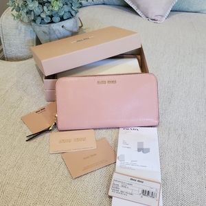Brand new Miu Miu by Prada leather wallet